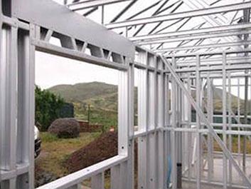 Construction métallique et structure en acier léger