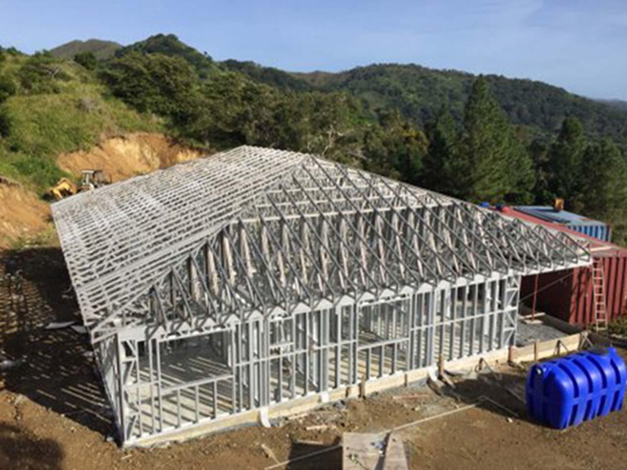Ossature bois structure m tallique et panneaux sip maoi for Ossature acier